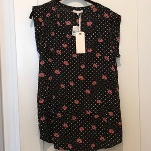 NWT Pleione black and dark pink pansy top